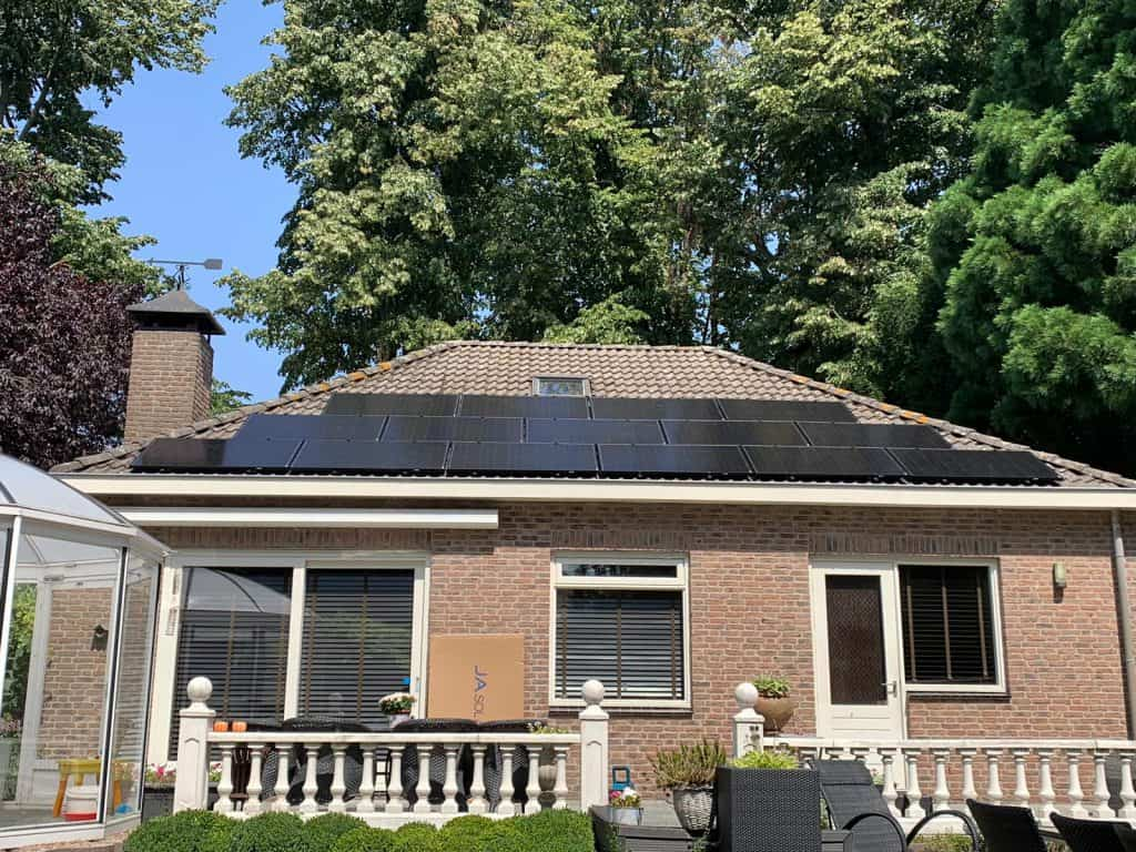 Waalwijk Zonnepanelen project 4575 Wattpiek JA Solar JAM60S01